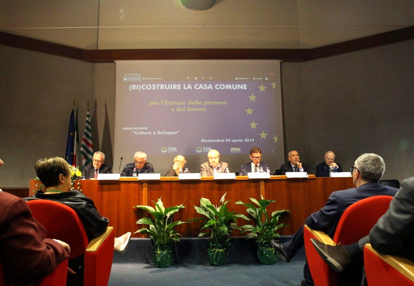 tavolo relatori convegno cisl europa
