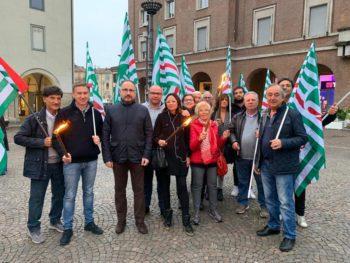 In piazza per il popolo curdo: stop alla deriva militare ed alla violenza in Siria!