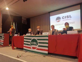 Consiglio generale della Cisl Alessandria-Asti con i segretari regionale e nazionale Ferraris e Graziani