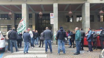 Atto grave alla Itron di Asti: licenziato operaio e delegato Fim per l'attuazione delle verifiche sul Green Pass