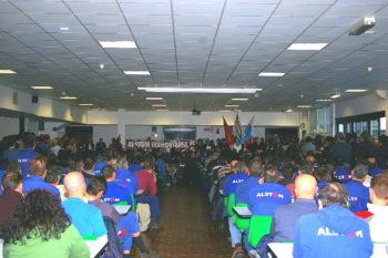Alstom – Siemens: assemblea nello stabilimento di Savigliano per il nuovo assetto. Preoccupazione dei lavoratori
