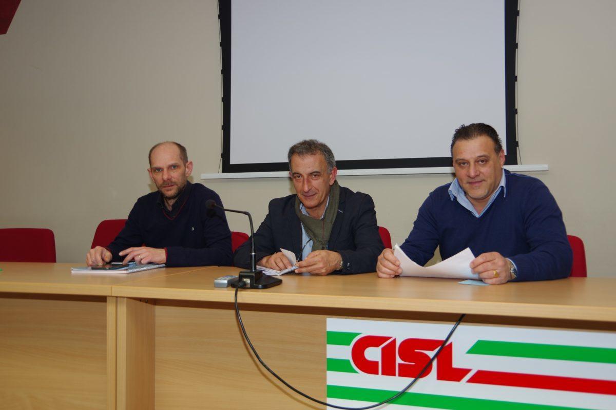 La segreteria Fim Cisl Cuneo- da sinistra) Alberto Gramaglia, Sergio De Salve, Bruno Rho