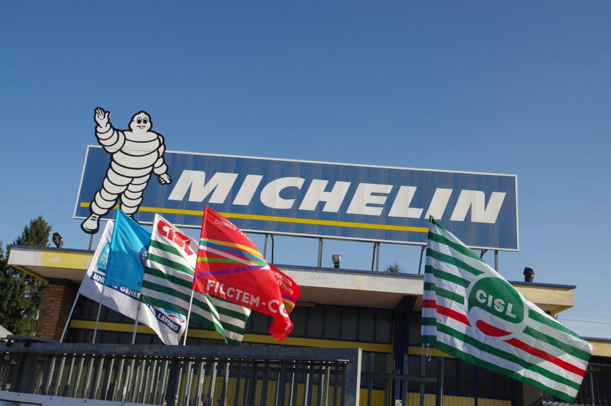 Foto d'archivio Cisl - Presidio sindacale davanti alla sede della Michelin di Cuneo
