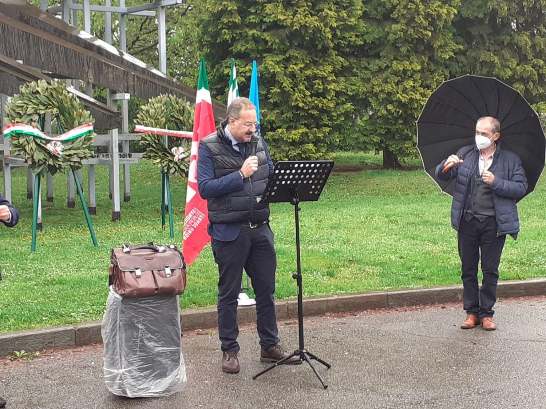 Intervento del segretario generale 4della Cisl Cuneo,Enrico Solavagione, alla conferenza unitaria del 1° maggio