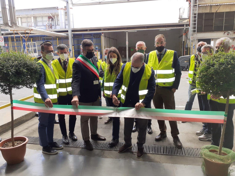 Apertura ufficiale dello stabilimento saluzzese del Gruppo Imr Industries con il taglio del nastro da parte del presidente del gruppo, Silvano Galmarini
