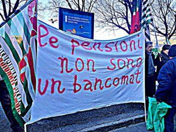 Pensionati in piazza per dire NO al taglio delle rivalutazioni!