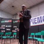 Gianni Vizio introduce lo spettacolo