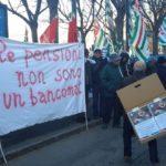 I pensionati in piazza ad Alessandria