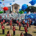 La banda musicale e una vista sulla piazza