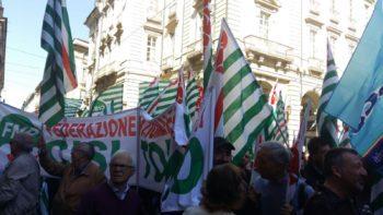 Il presidio di Cgil Cisl Uil – sabato 14 ottobre, ore 10, in piazza Castello, a Torino – per cambiare la Legge di stabilità del governo