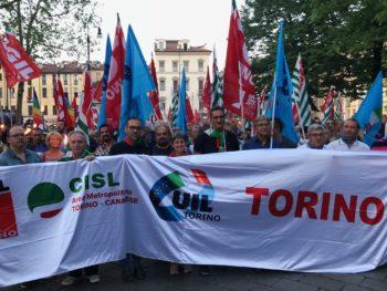 """25 Aprile: a Torino la tradizionale fiaccolata con Cgil Cisl Uil. La segretaria Furlan:""""Non disperdere la memoria"""""""