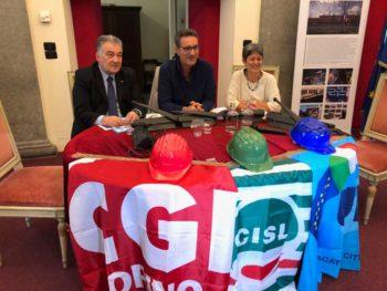 Il Primo Maggio a Torino: corteo e comizio in piazza San Carlo del segretario Cisl Lo Bianco, a nome di Cgil Cisl Uil