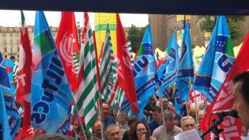 Sciopero generale Cgil Cisl Uil Torino contro morti bianche: l'intervento del segretario Cisl Lo Bianco