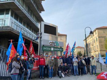 Casa: 3.000 sfratti in arrivo a Torino, presidio sotto la sedeAtc