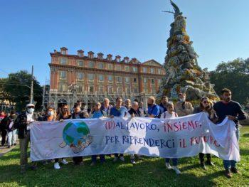 """""""(D)al lavoro, insieme, per riprenderci il futuro"""": Cgil Cisl Uil al Friday For Future di Torino"""