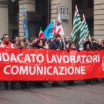 Manifestazione telecomunicazioni tre striscione