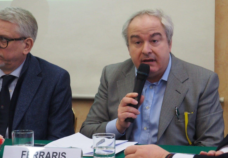 Il segretario Cisl Piemonte durante la conferenza stampa Ebap primo piano