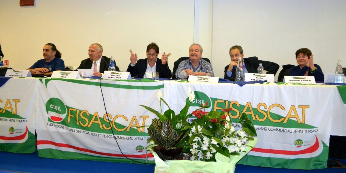 Tavolo presidenza congresso Fisascat Cisl Piemonte primo piano