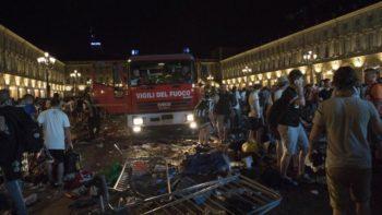 Panico in Piazza San Carlo: morta la donna schiacciata dalla calca