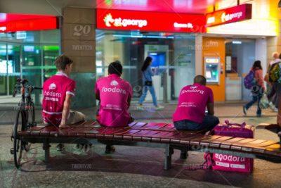Foodora: sentenza a Torino respinge il ricorso di sei rider sospesi dopo aver protestato contro le loro condizioni di lavoro