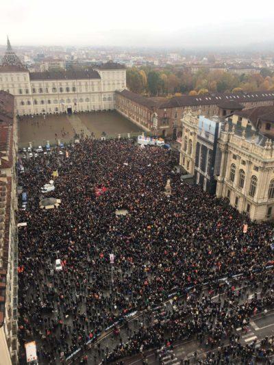 """Tav: trentamila in piazza a Torino per dire sì all'opera. Furlan: """"Appendino si confronti con le parti sociali"""""""