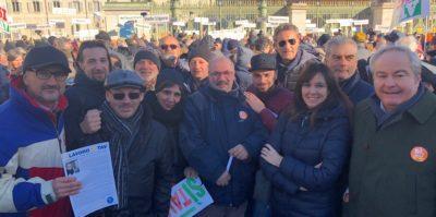 Flash mob Sì Tav: anche la Cisl in piazza a Torino per dire sì all'opera