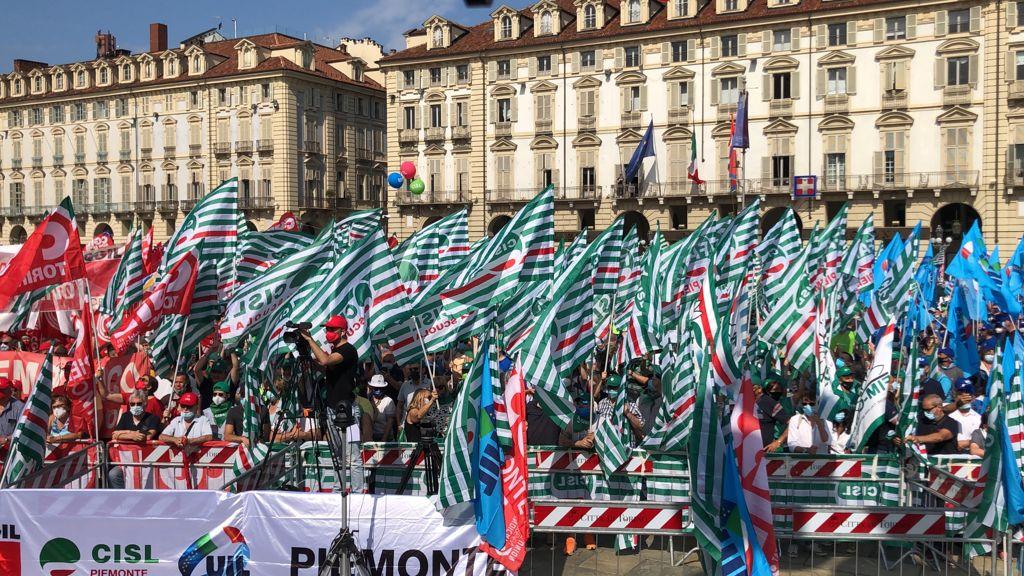 Manifestazione Cgil Cisl Uil a Torino