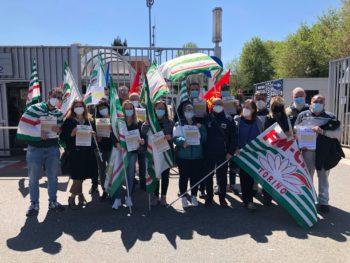 Stellantis, Cgil Cisl Uil contro i tagli ai servizi negli stabilimenti torinesi