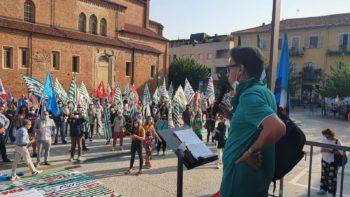 """Foto della manifestazione """"Ripartire dal lavoro"""" 18-09-2020"""